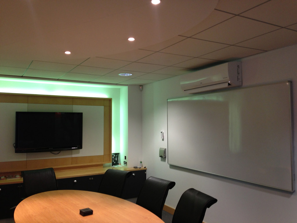 LG 7kW Wall Mounted Air Conditioning System Installed in M… Flickr #AF581C