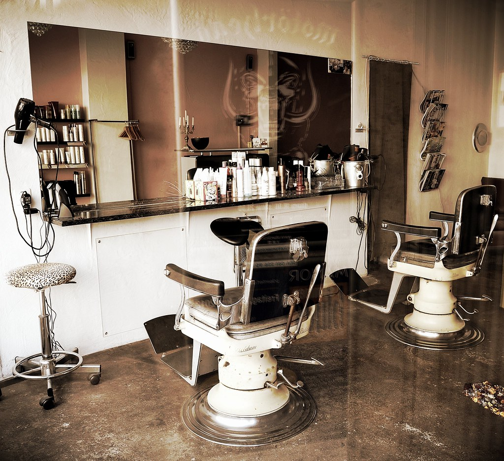 Salon de coiffure r tro retro hairdressing salon flickr for Photo salon