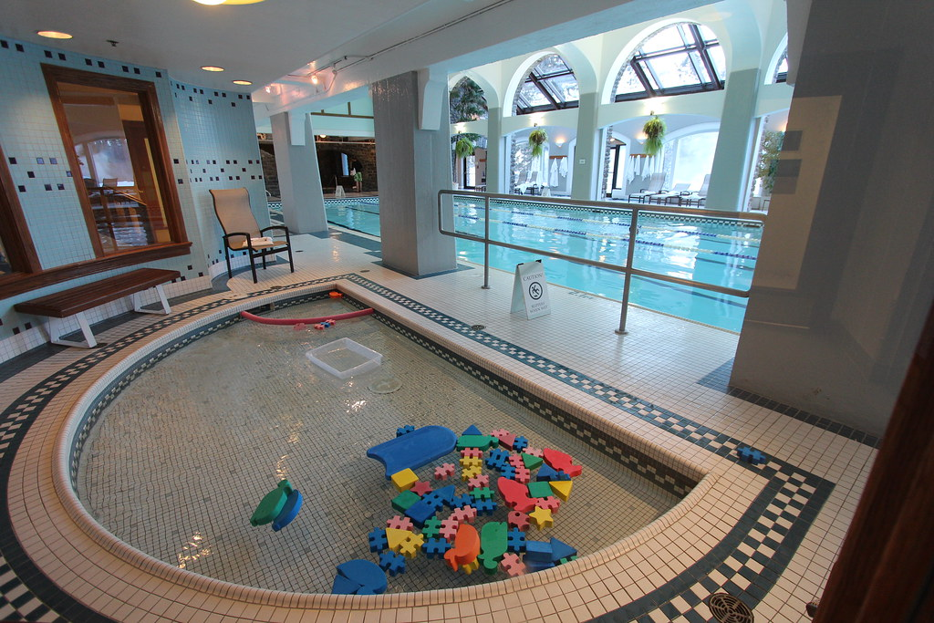 Banff Springs Hotel Swimming Pools The Tot S Play Pool Thank You For Visiting My Page Flickr