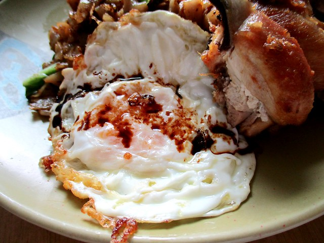 Jiali Cafe kway teow goreng special, egg