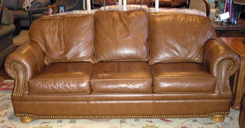 Charmant ... Homestylegalleries Thomasville Leather Sofa With Nailheads | By  Homestylegalleries