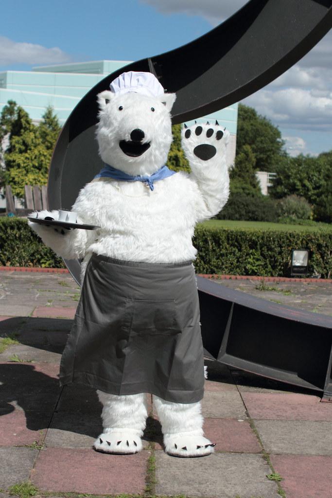 Polar Bear Cafe Polar Bear Cafe Cosplayer