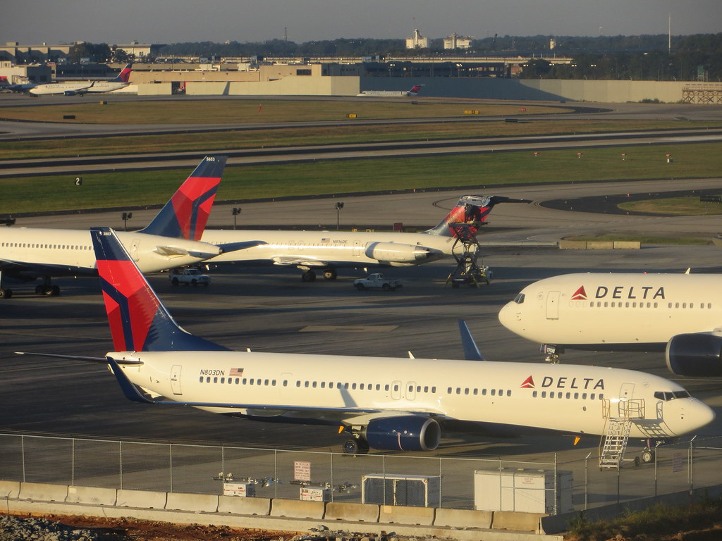mis delta airlines case Aaims this system was implemented by american airlines in mid according to a detailed microstrategy case delta accesses its rules through both forward and.