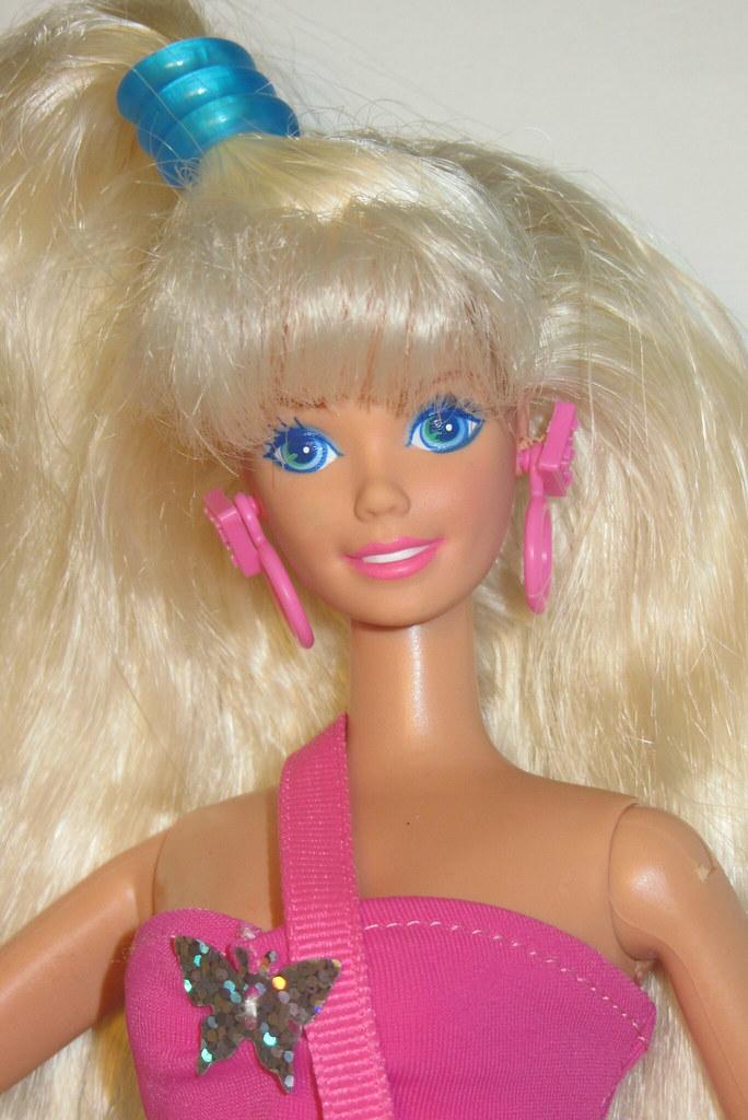 Département des poupées non identifiées 12154525315_8531af74da_b