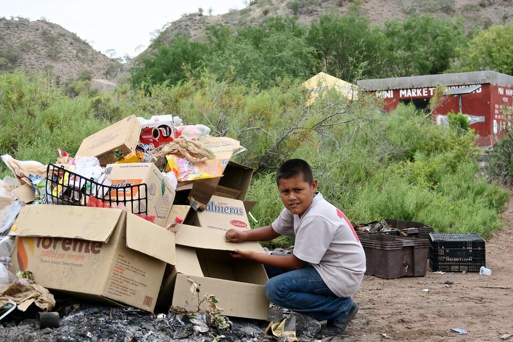 El Miguelito, abans de prendre foc a les deixalles (A Agua Verde no hi arriba el camió de la brossa).