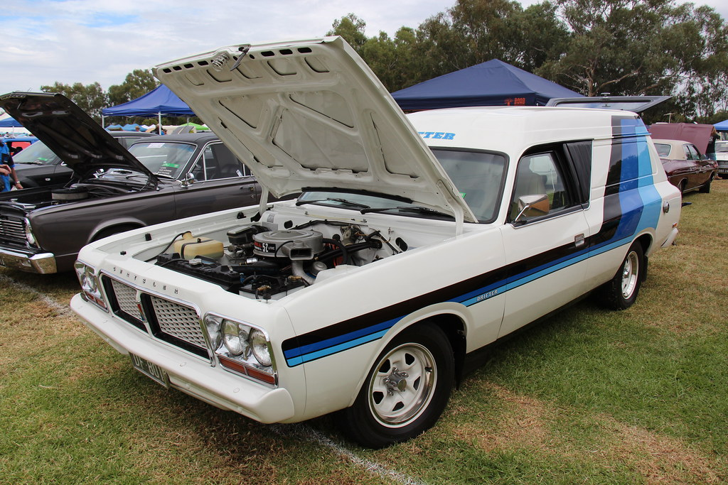 1977 Chrysler Valiant Cl Drifter Van Alpine White The Cl Flickr