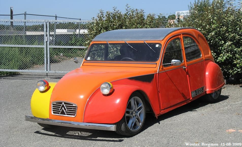 citro n 2cv hot rod eurocitro 2009 le mans france. Black Bedroom Furniture Sets. Home Design Ideas