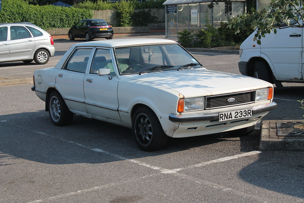 Cars Now: 1976 Ford Cortina 1.6 GL 4 Door Saloon In White- Rare Now