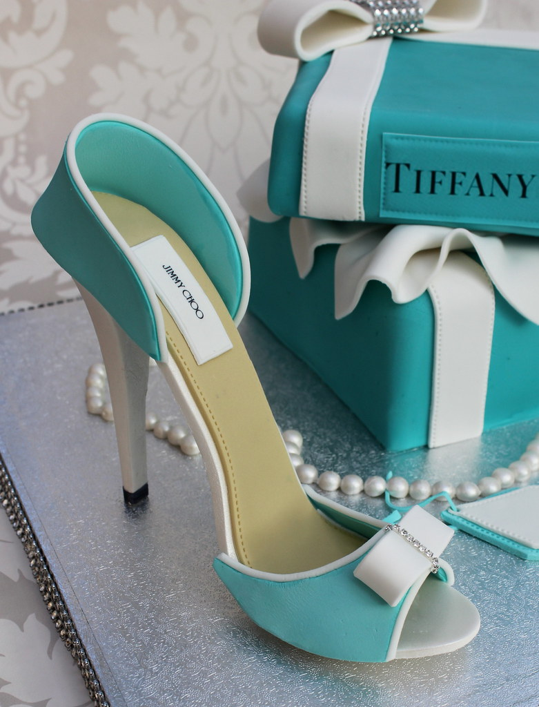 how to get tiffany blue fondant