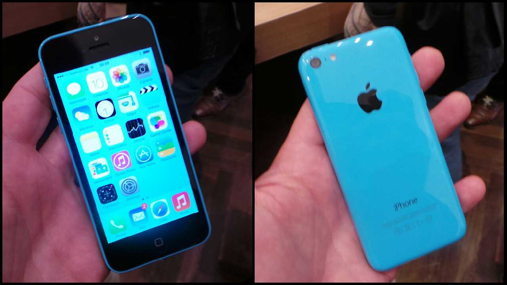 blue iphone 5c iphone 5c in blue apple iphone 5s and 5c european launch 10292