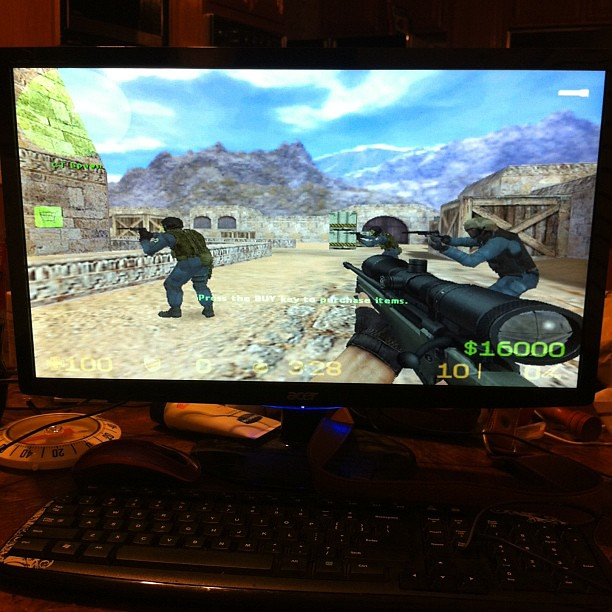 """""""Counter Strike"""" Best Shooting Game Ever. This Keep Me Up"""