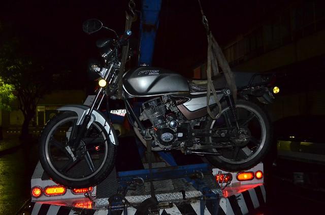 Detenidos con motocicleta robada