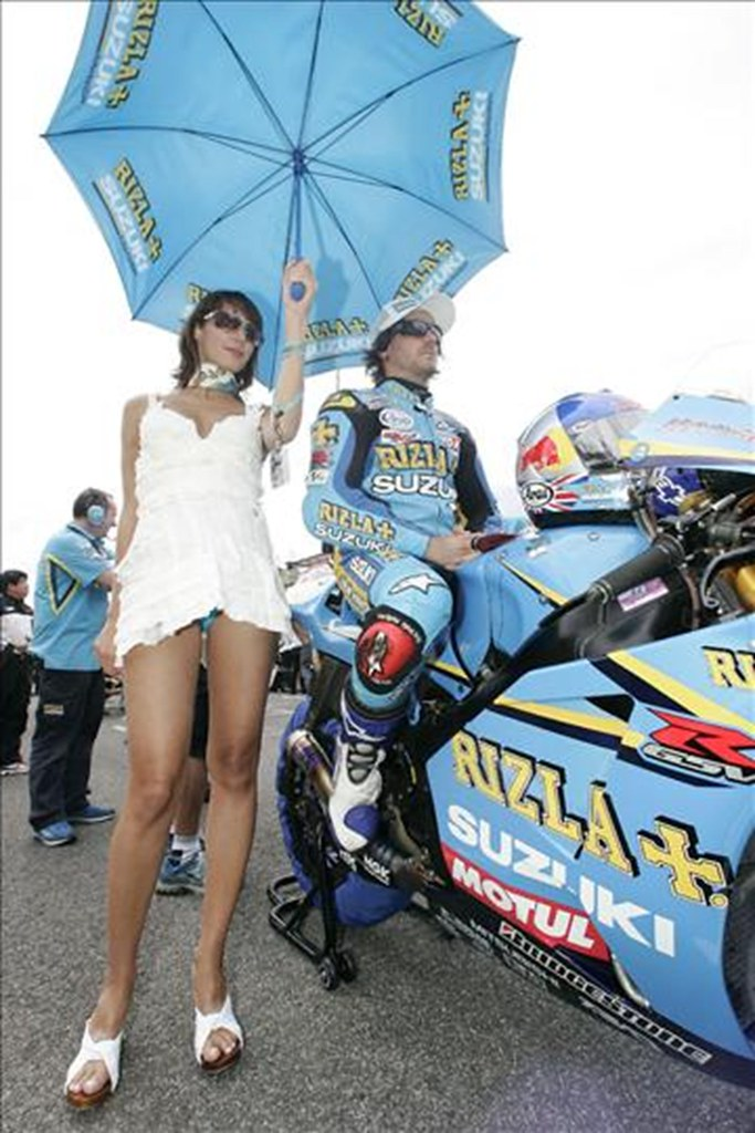 Motor racing upskirt - 1 10