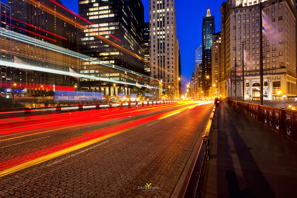 chicago street light trails