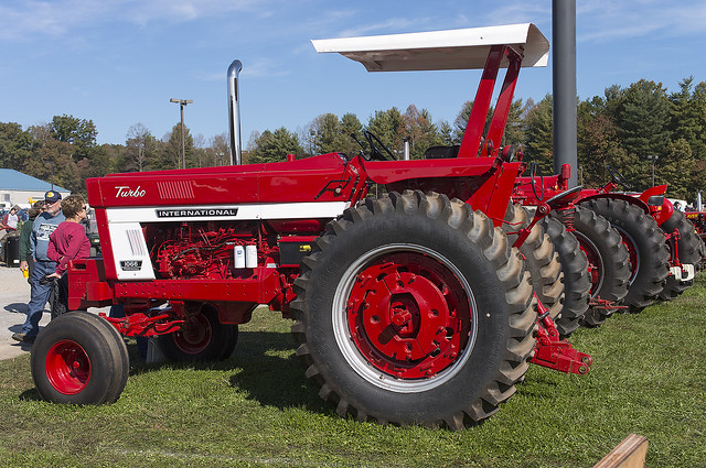 1066 International Tractor : International farmall turbo at the fall
