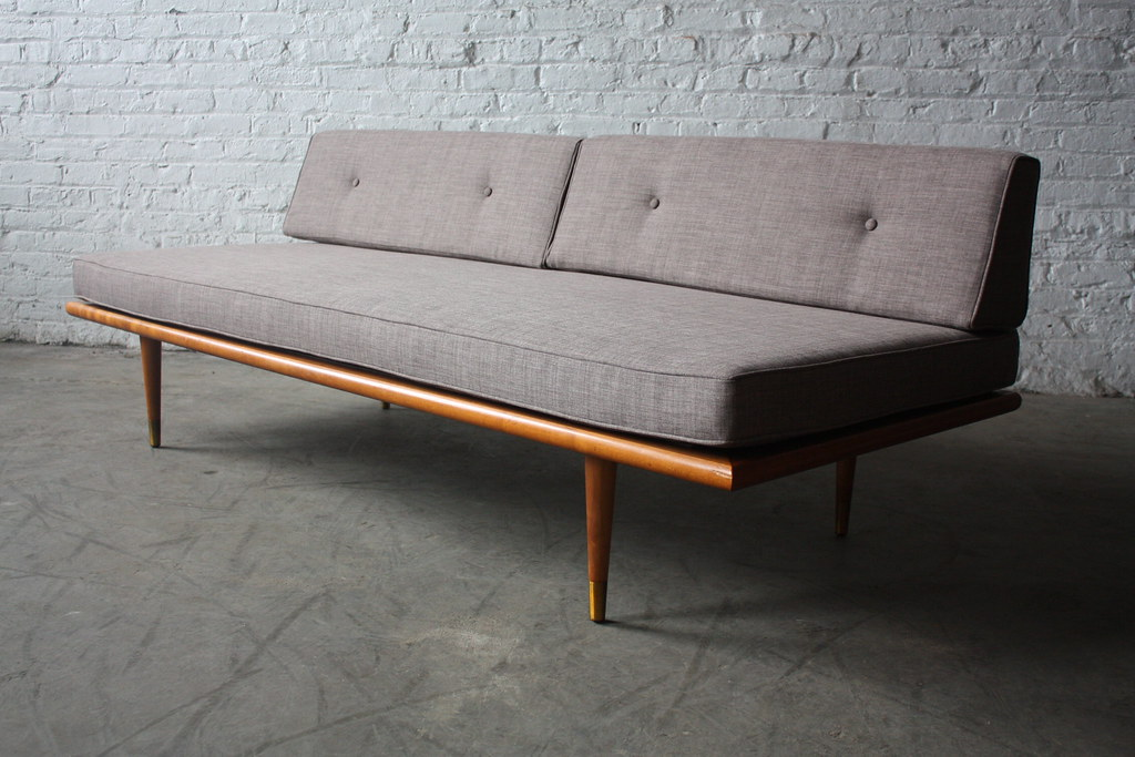 Assured mid century modern daybed sofa u s a 1960s for Mid century modern day bed