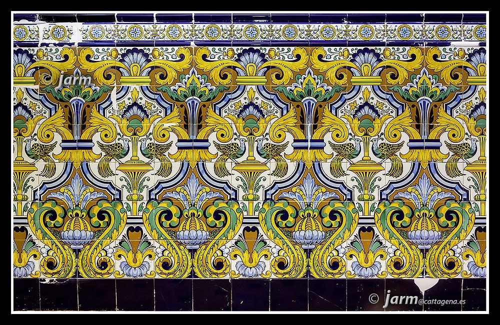 Arrimaderos de azulejos patrimonio que desparece con dema flickr - Azulejos martin ...