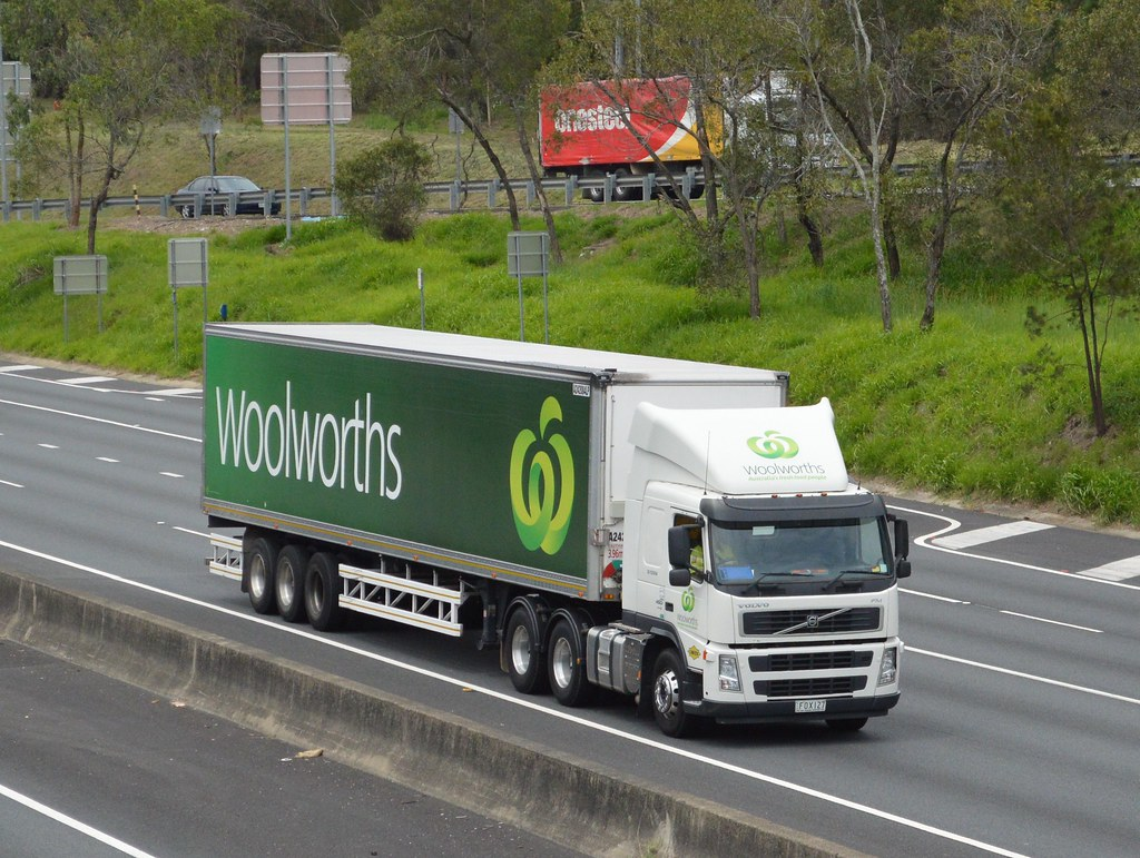 Woolworths Supermarkets A Volvo Fm On The Gateway