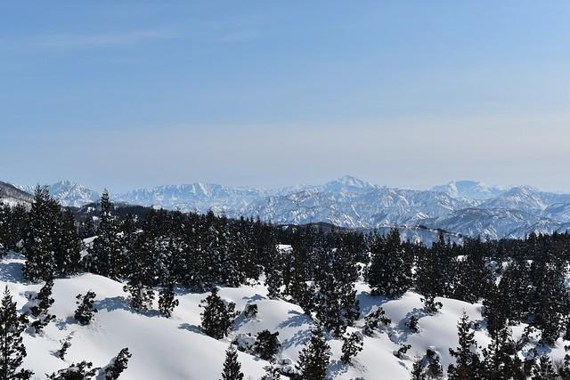 守門岳から望む上信越の山々(越後三山・平ヶ岳・燧ヶ岳)