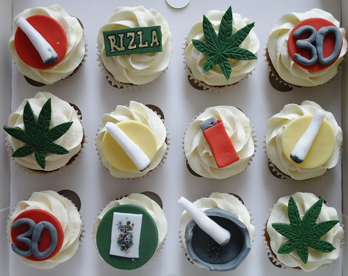 Cannabis Cake Decorations