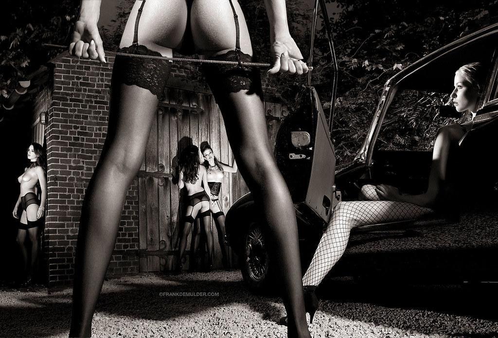 black and white nudes helmut newton
