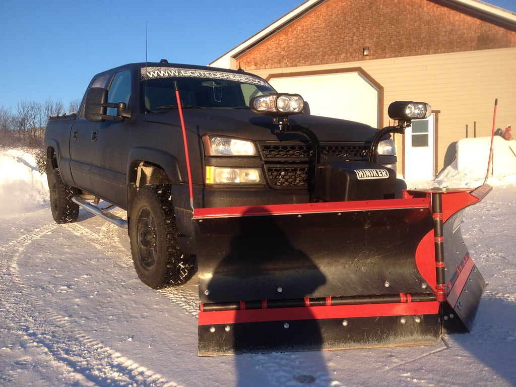 Used Snow Plows >> BoiteDeFibre Plow Truck with Heavy-Duty Truck Bed Cover | Flickr