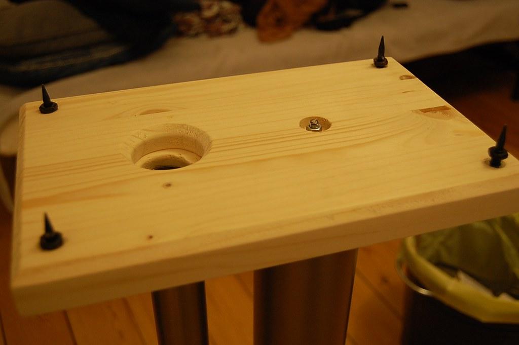 pieds diy imitation norstone stylum 2 pour enceintes m aud. Black Bedroom Furniture Sets. Home Design Ideas