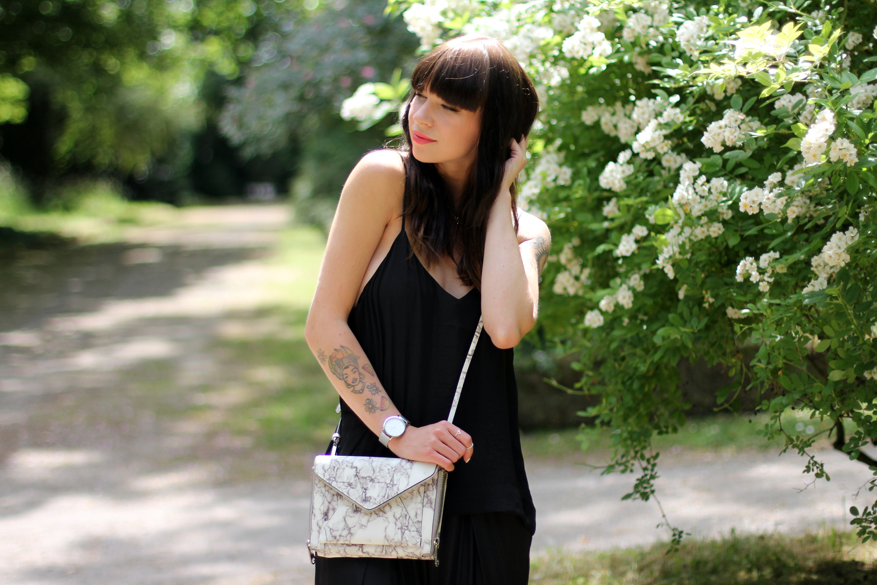 black outfit summer marble bag cute rebecca minkoff shopbop cute roses fashion blogger berlin düsseldorf ricarda schernus cats & dogs blog 3