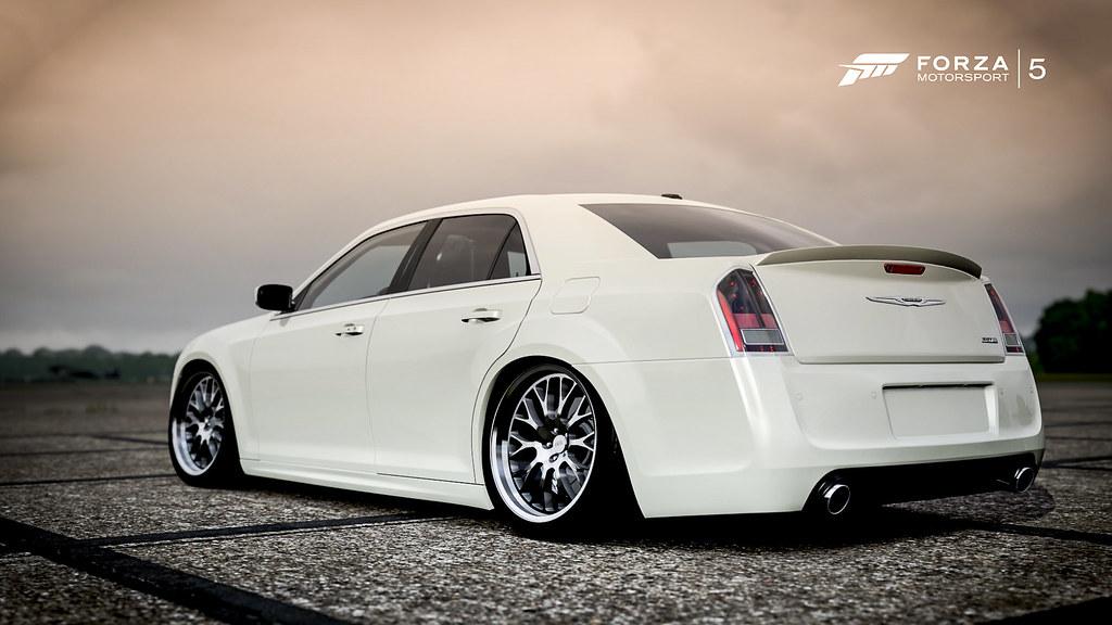 White Chrysler 300 >> slammed 300C | D - 15 photography | Flickr