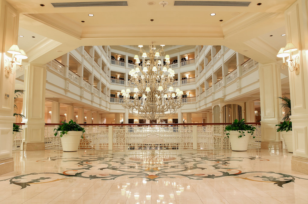 The Grand Entrance Disney 39 S Grand Floridian Resort Spa