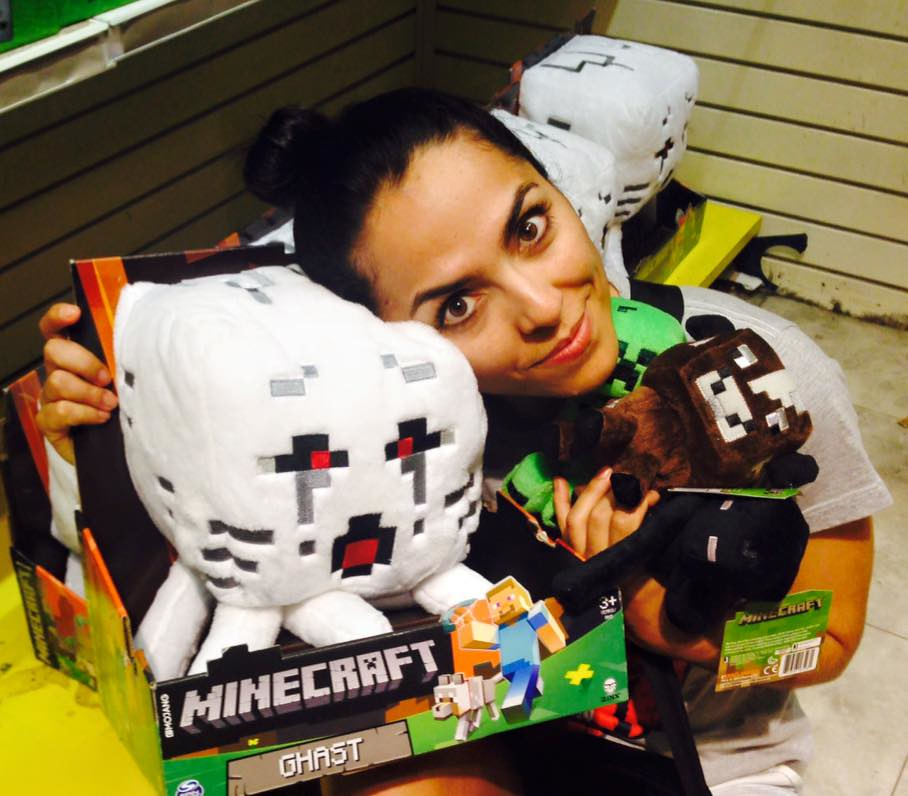 Toys R Us – Pelúcias do Minecraft.