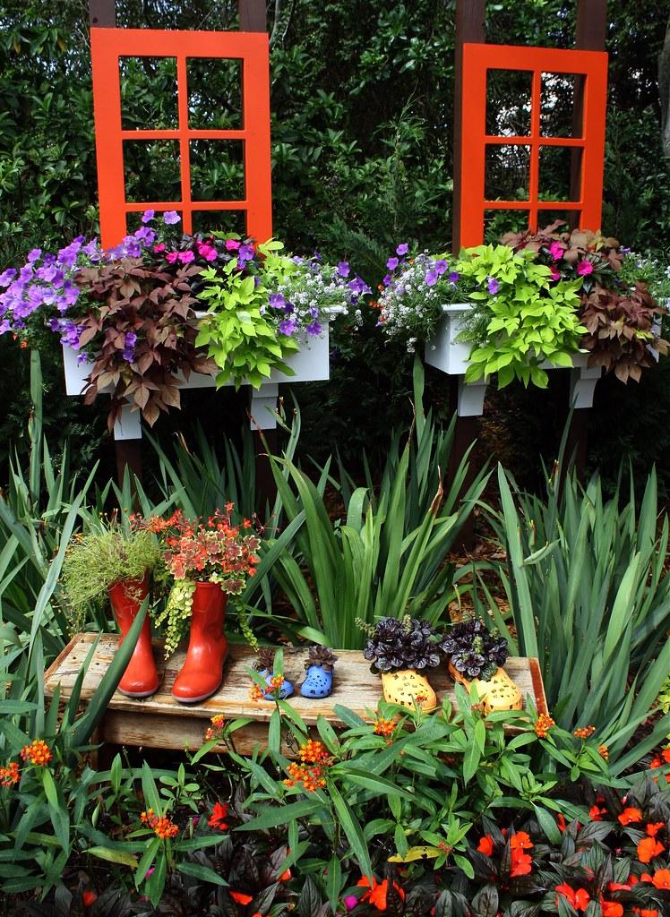 Whimsical Garden | EPCOT Flower and Garden Festival ...