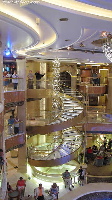 cruise_atrium_steps_web