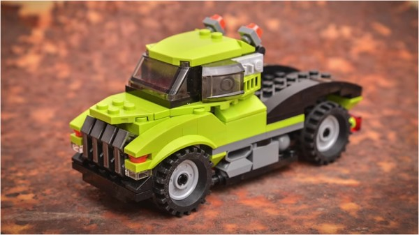LEGO MOC Cyber Truck from LEGO Creator Power Mech (31007) Kit
