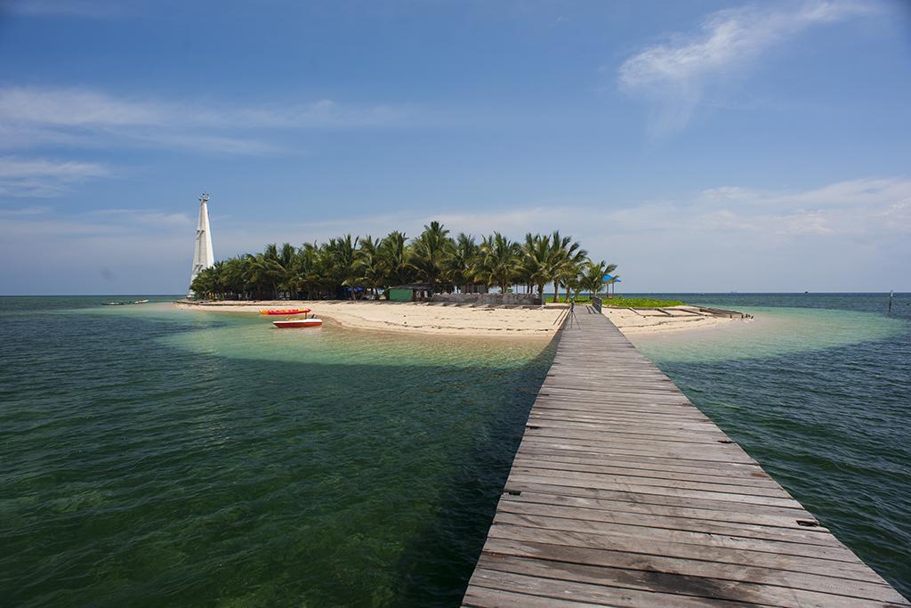 Keindahan Pantai di Pulau Beras Basah, Bontang. Kalimantan ...
