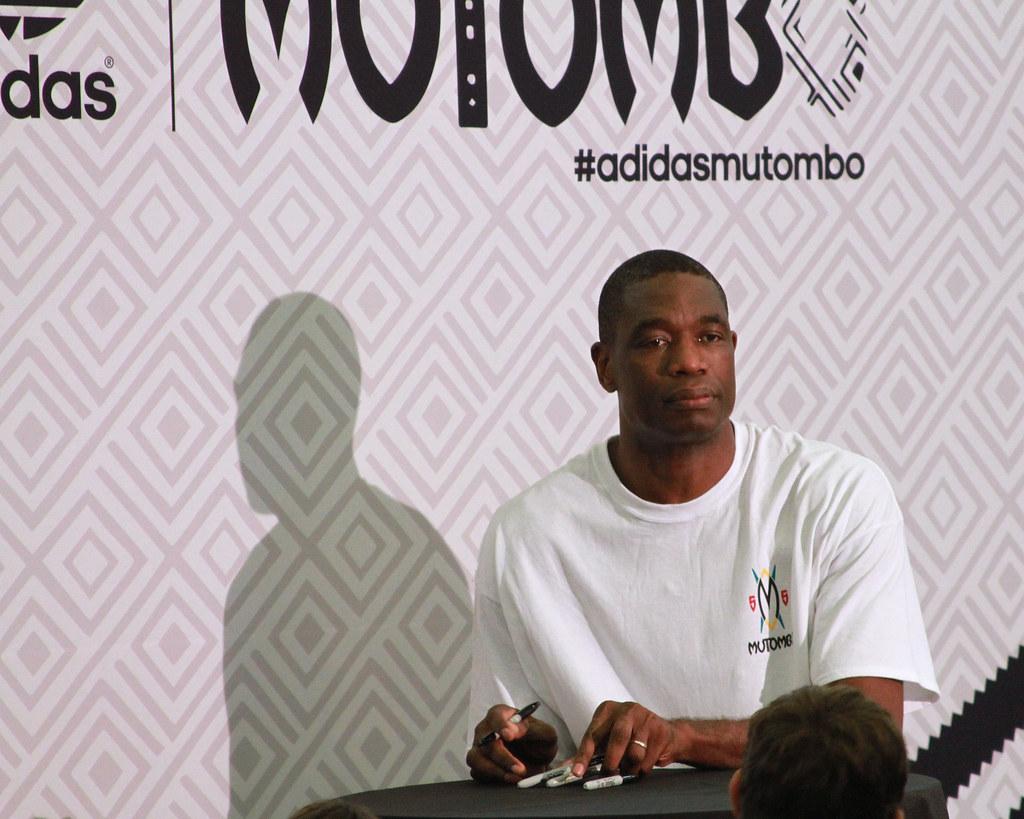 Dikembe Mutombo Adidas Shoes Weight