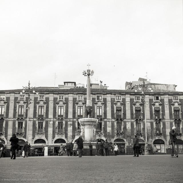 Garden La Piazza: Piazza Duomo E Al Centro La Statua Dell'elefante, Simbolo