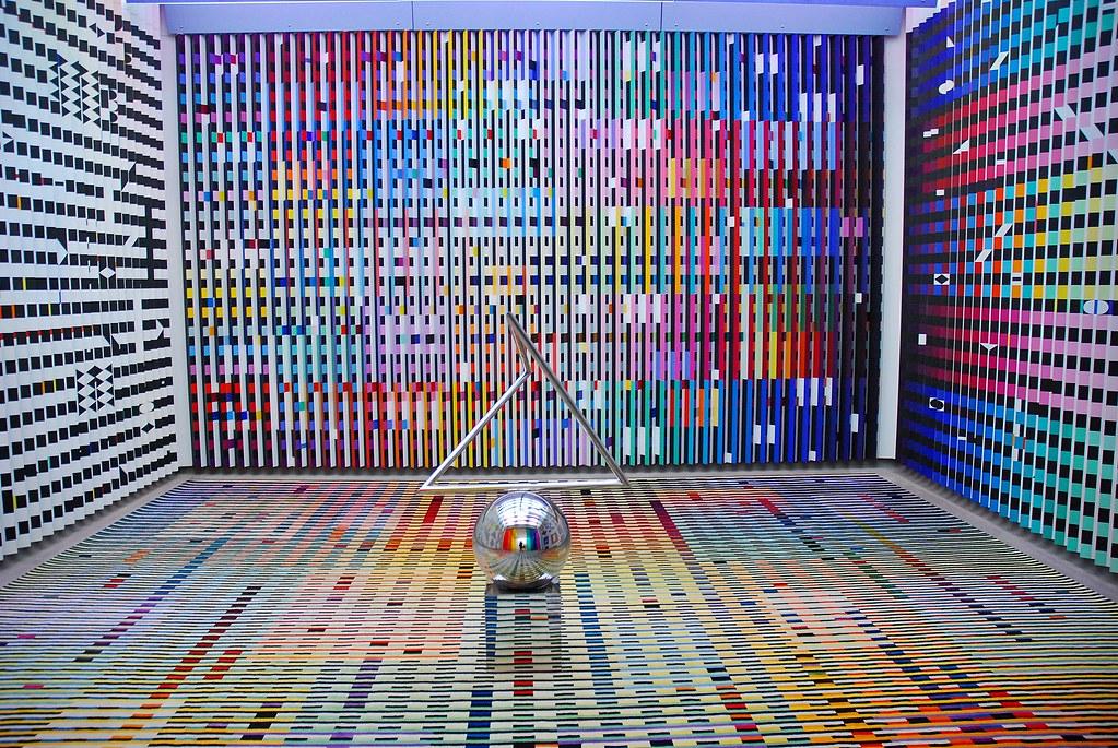 11 centre pompidou mus e national d 39 art moderne yaacov a for Art minimal centre pompidou