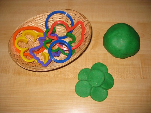 Green and Glittery Gold Playdough (Photo from Counting Coconuts)