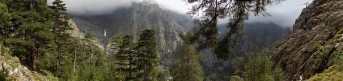 Sommet du Monte Saltare : Grande Barrière sous les nuages entre Combe Rouge et ravin du Saltare