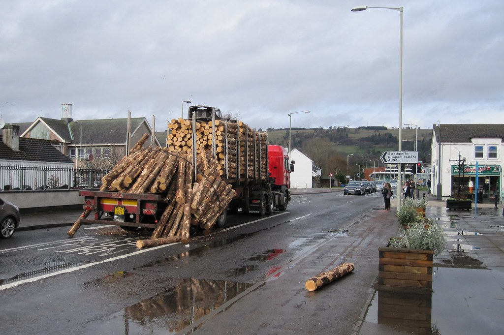 What Is Freight Shipping >> Timber lorry lost its load in Dingwall | A&F Grant timber lo… | Flickr