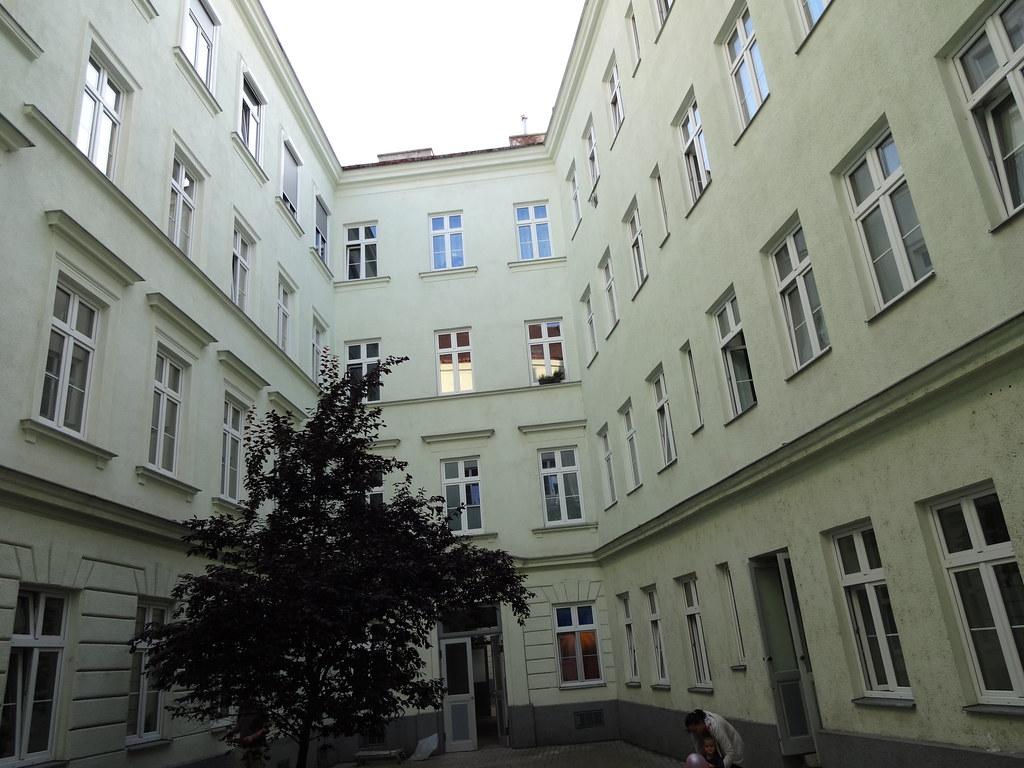 Wien 5 bezirk house entrance entrata di una casa entr - Entrata di casa ...