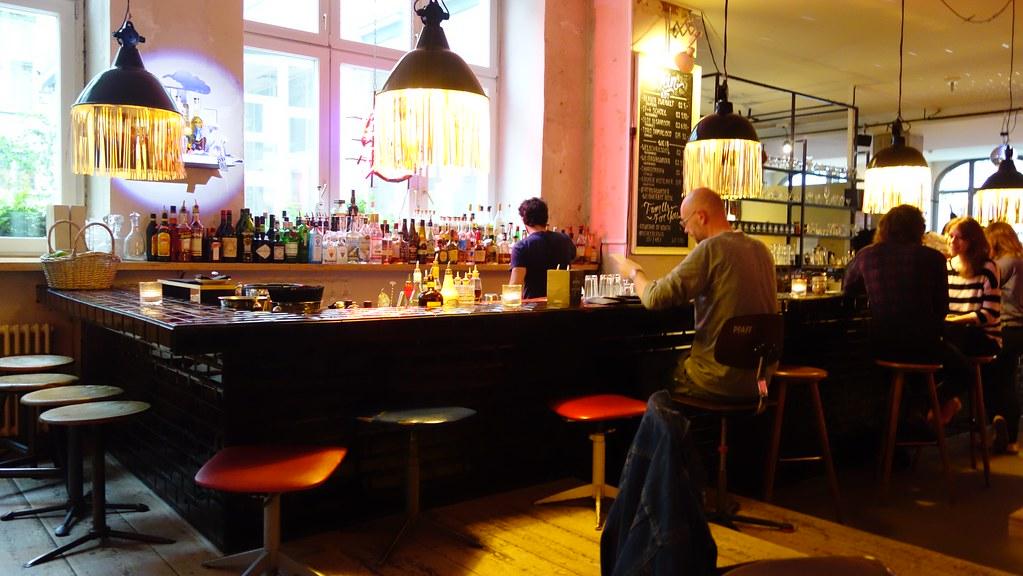 cafe bar en michelberger hotel rosa g flickr. Black Bedroom Furniture Sets. Home Design Ideas