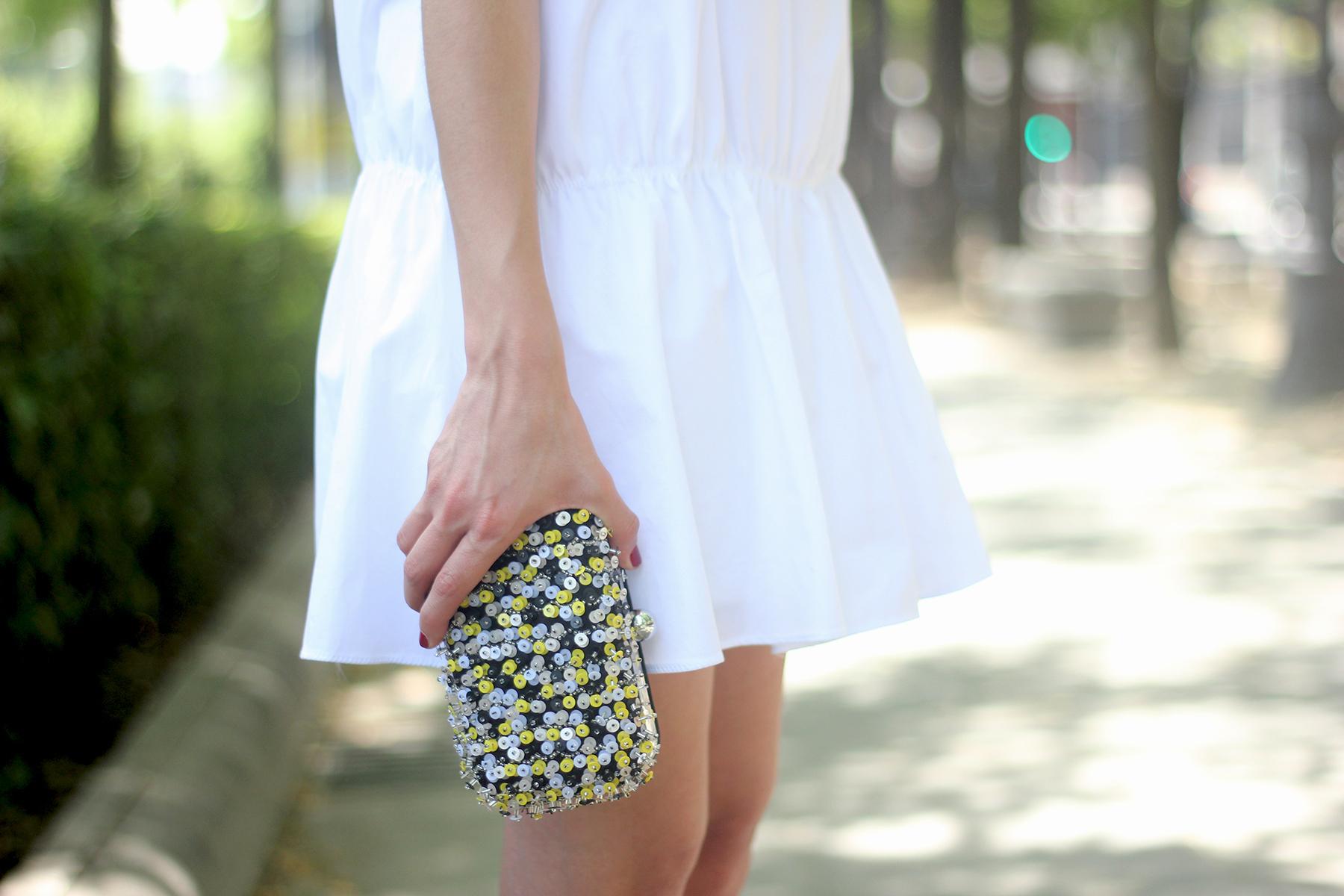 White dress black sandals20