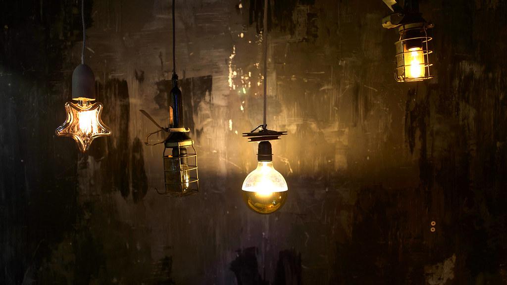 lyon eclairage au march aux puces de la feyssine flickr. Black Bedroom Furniture Sets. Home Design Ideas