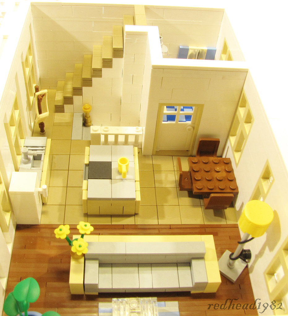 How to build a small lego house