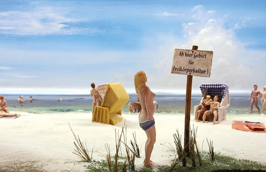Reconstitution plus vrai que nature des loisirs à la plage pendant la période communiste en Allemagne. Photo du DDR Museum