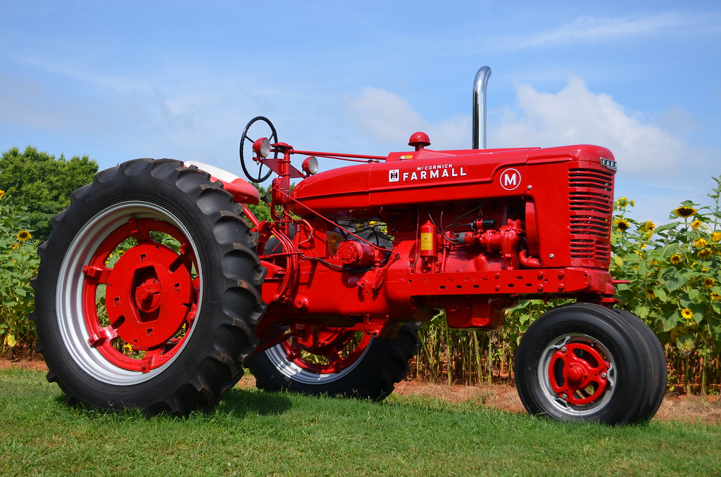 Red Brand New Farmall Tractors : International harvester mccormick farmall tractor this