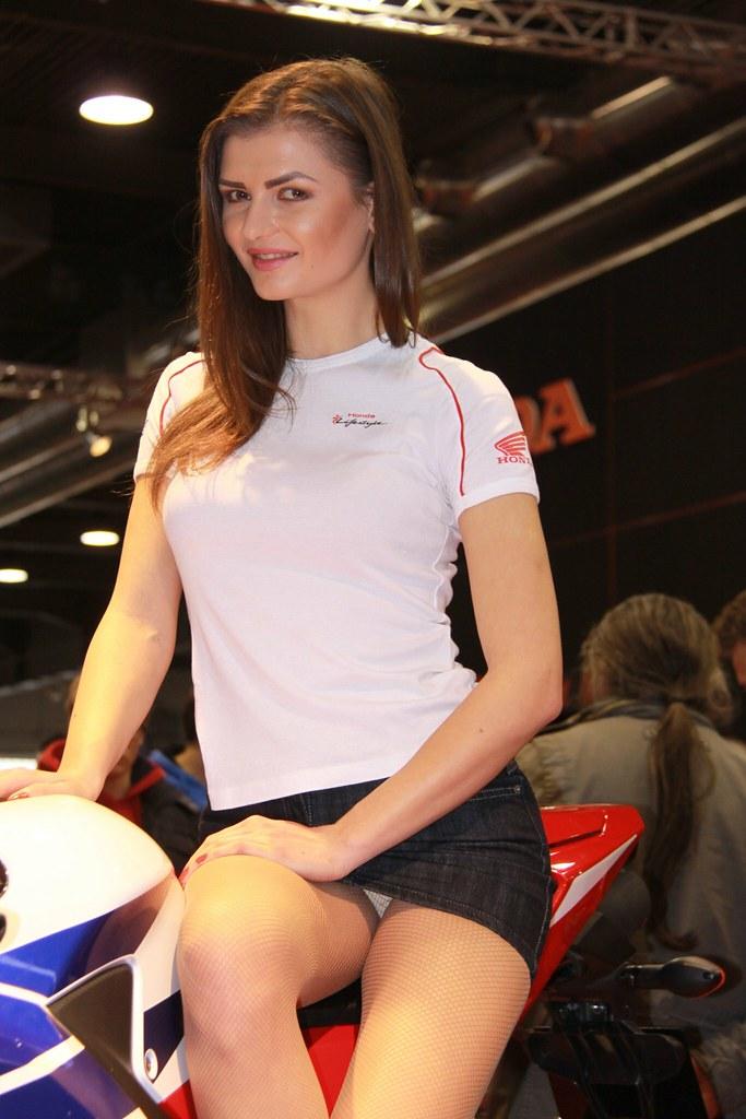 Sexy Race Car Girls