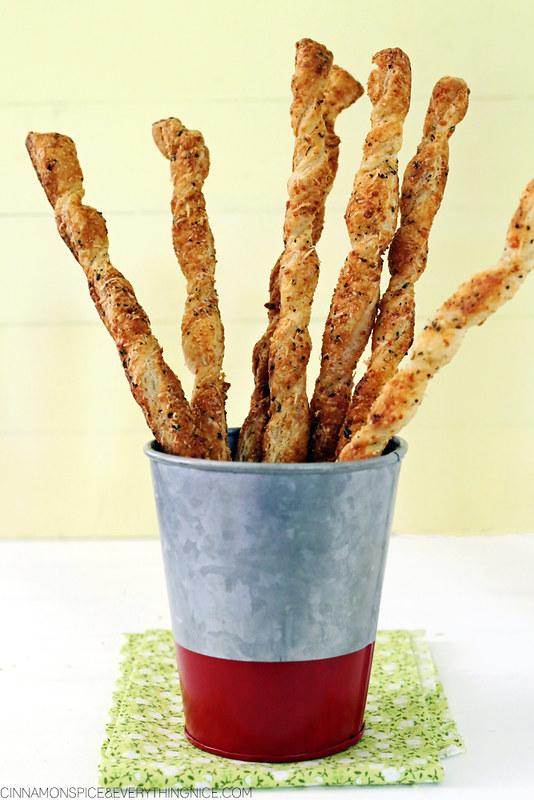 Parmesan Garlic Puff Pastry Breadstick Twists